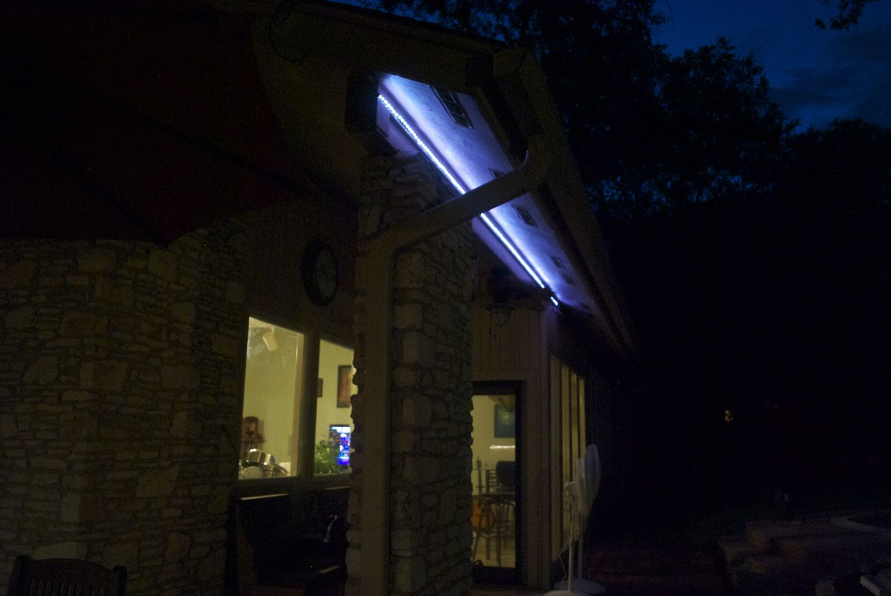 images/deck-2013/color-led-night-1.250 : eave lighting - azcodes.com