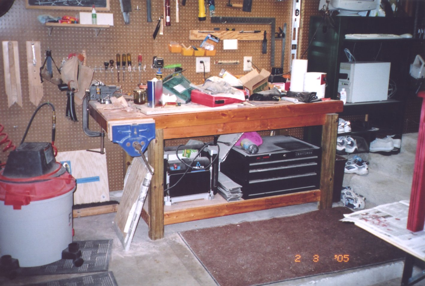 the workbench plans ideas club bench and corner how own your for garage in storage to shelves build workbenches gogenie work